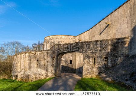 stock-photo-tour-au-diable-medieval-curtain-wall-of-metz-lorraine-france-137577719