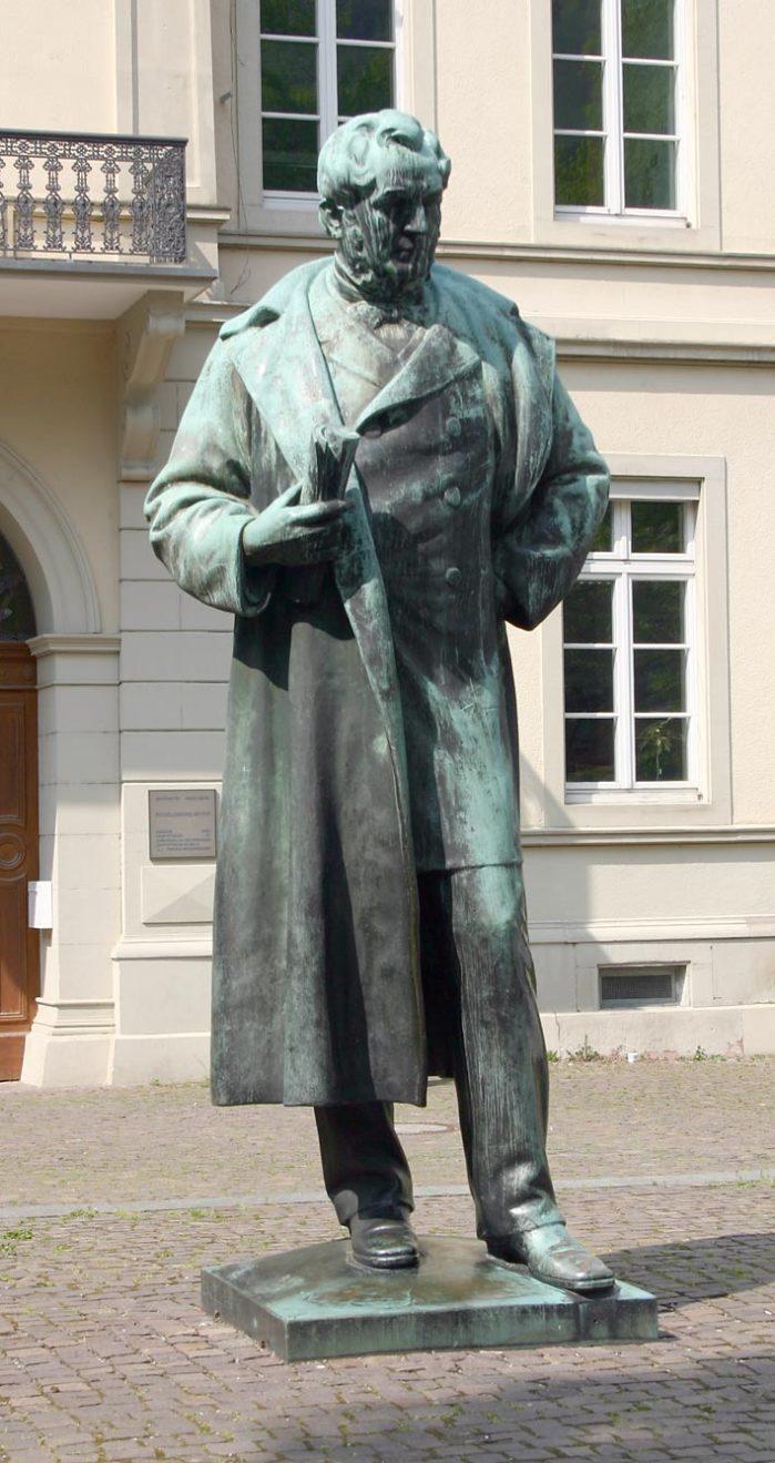 bunsen-denkmal_heidelberg_2