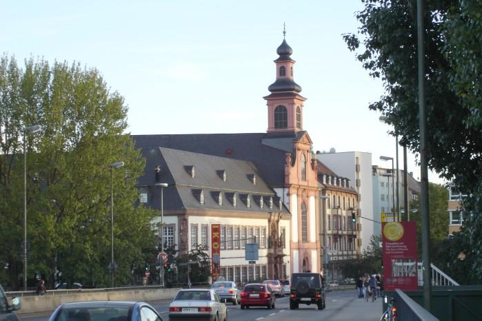 Deutschordenskirche-ffm001