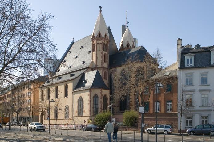 Frankfurt_Am_Main-Leonhardskirche-Ansicht_vom_Mainkai-Gegenwart