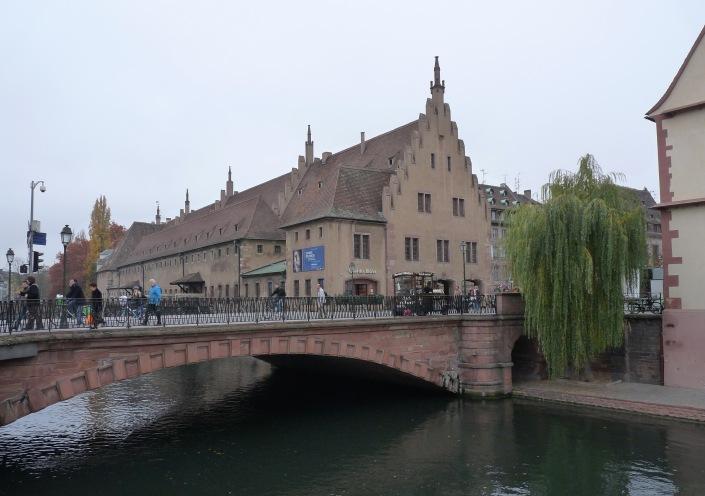 Strasbourg-Pont_du_Corbeau_(5)